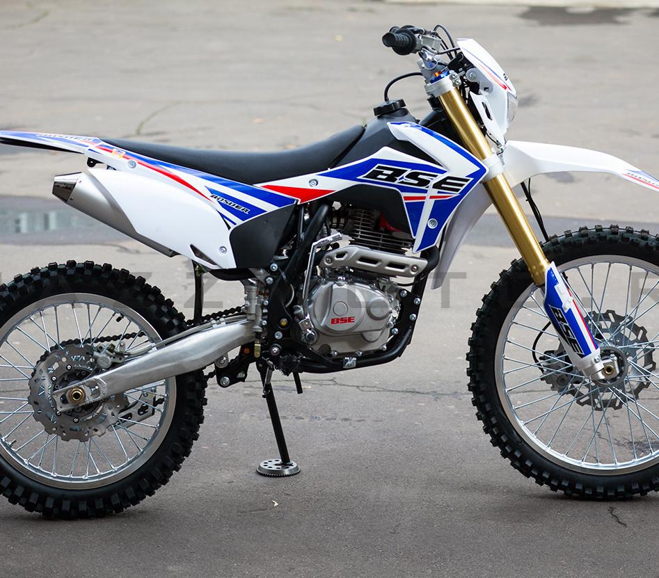 Покатушки на мотоцикле Suzuki dr 350s